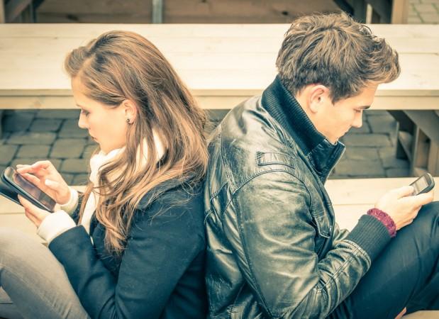 ¿Y tú? ¿Cómo utilizas el móvil? Si hiciéramos ahora mismo esa pregunta, la mayor parte de las personas que respondieran dirían que a diario y para enviar mensajes a través de aplicaciones de mensajería instantánea, principalmente...