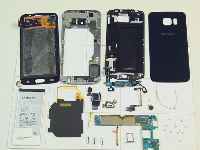 Nuevo terminal al mercado, nuevo dispositivo que pasa por las manos de la gente de iFixit. En este caso por la mesa de iFixit pasa el nuevo buque insignia de la marca surcoreana, el Samsung Galaxy S6...
