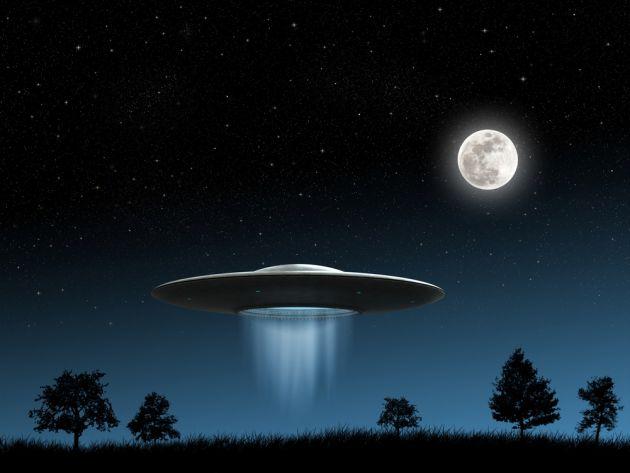 """Aunque hace más de 60 años que se han reportado avistamientos de ovnis, la información reunida y analizada por la ciencia revela que no hay tecnologías alienígenas ni visitas extraterrestres implicadas en estos episodios. Aquí tienes tres posibles explicaciones científicas a los supuestos """"encuentros"""" con ovnis..."""